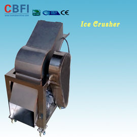 চীন 110 - 220V Electric Crush Ice Machine , Ice Crushing Machine 2 Tons Per Hour কারখানা